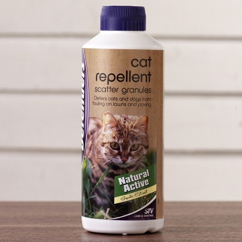 what repels cats but not dogs